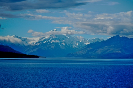 Lake Pukaki leading out to Aoraki Mount Cook, on a fine summers day.